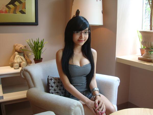 越南瑶瑶超级大胸MM最新图片